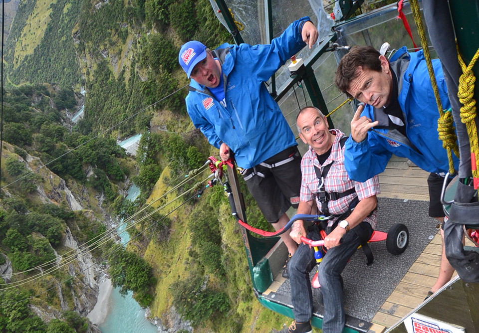 MoaTours Guide Richard bungy jumping in Queenstown
