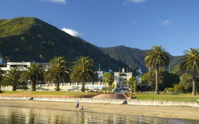 The Picton Waterfront - Christmas in Marlborough Tour