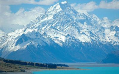 Aoraki Mt Cook and Lake Pukaki - Queenstown New Years Eve Tour