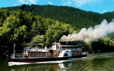 Paddle Steamer - Waimarie
