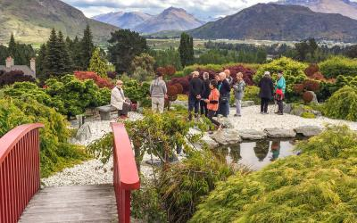 Mountain views from Chantecler garden in Queenstown