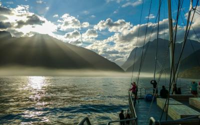 Sunrise on Milford Sound on the Mariner Overnight Cruise boat