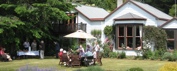 Garden Lunch at historic Dunrobin Homestead - MoaTours