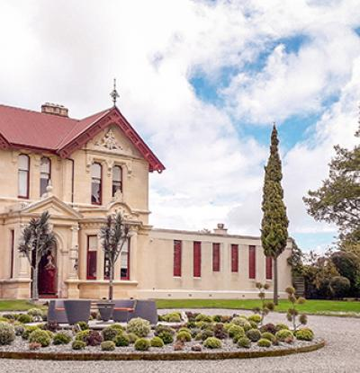 The Homestead & Gardens at Brookfield House Oamaru - Classic Otago Homes & Gardens